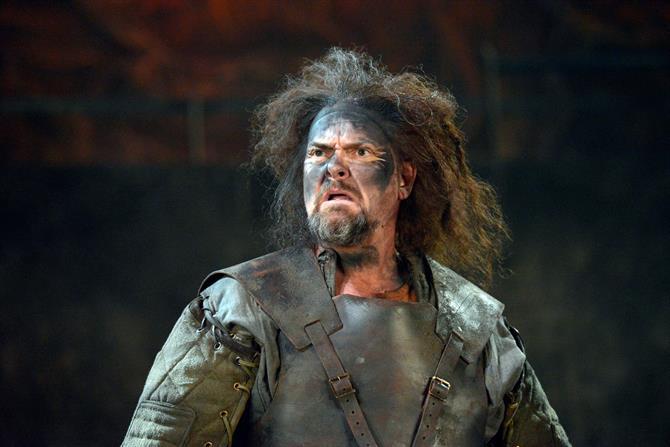 Andrew Westfield as MacMorris in Henry V.