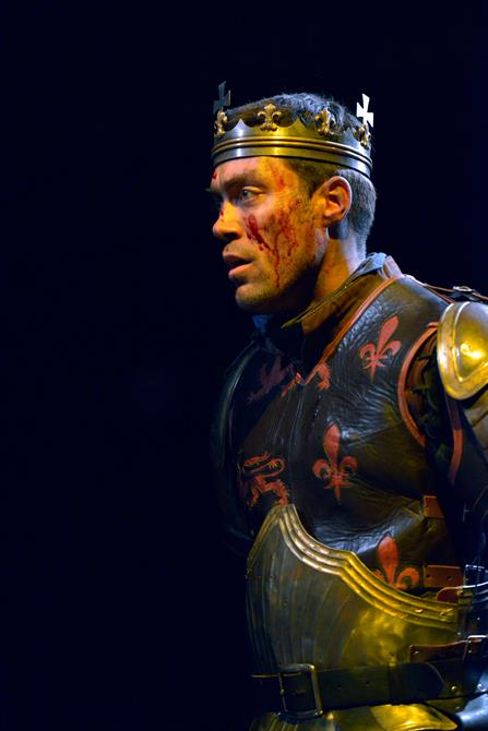 Alex Hassell as Henry V in Henry V.