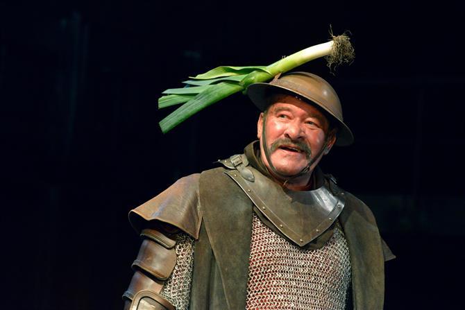 Joshua Richards as Fluellen in Henry V.