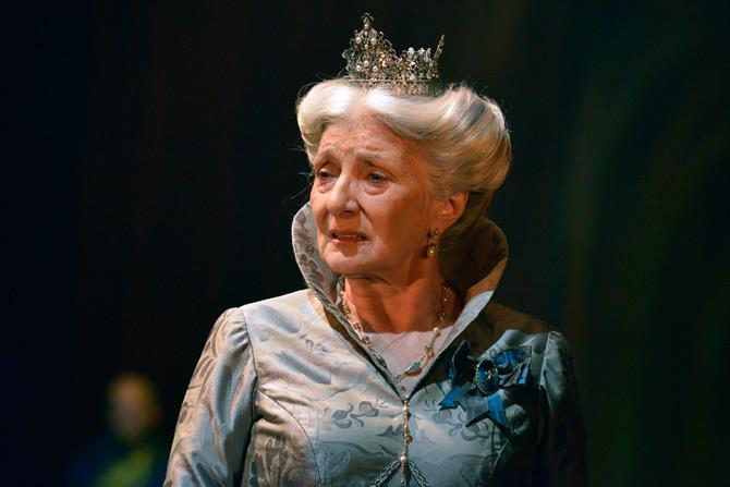 Jane Lapotaire as Queen Isobel in Henry V.