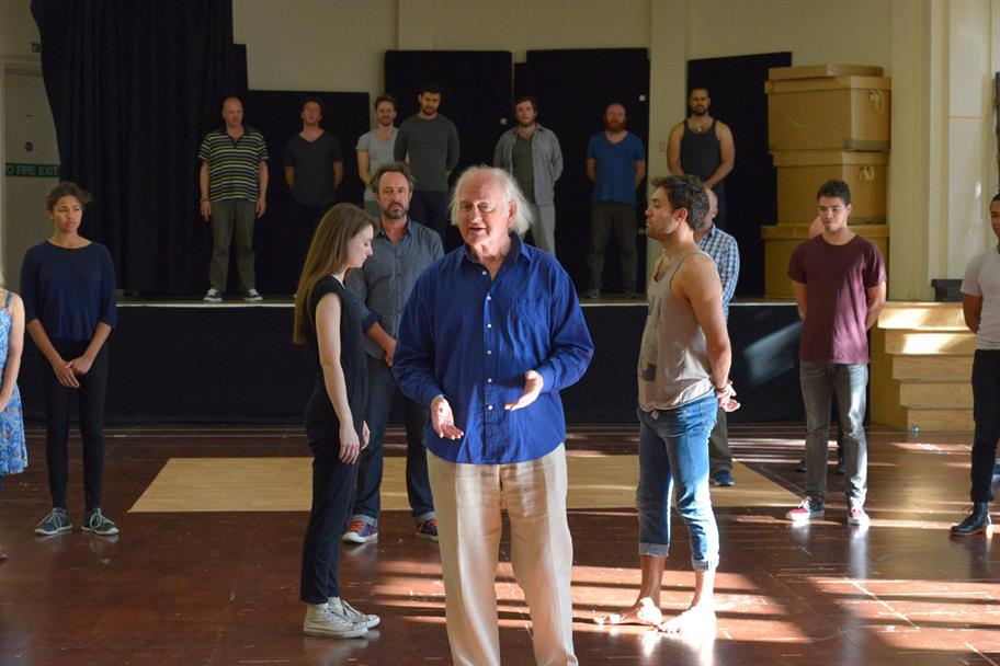 The company of Henry V in rehearsal