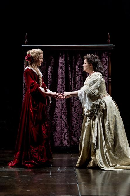 Natascha McElhone as Sarah Churchill and Emma Cunniffe as Queen Anne in Queen Anne