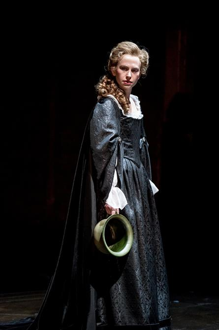 Beth Park as Abigail Hill in Queen Anne