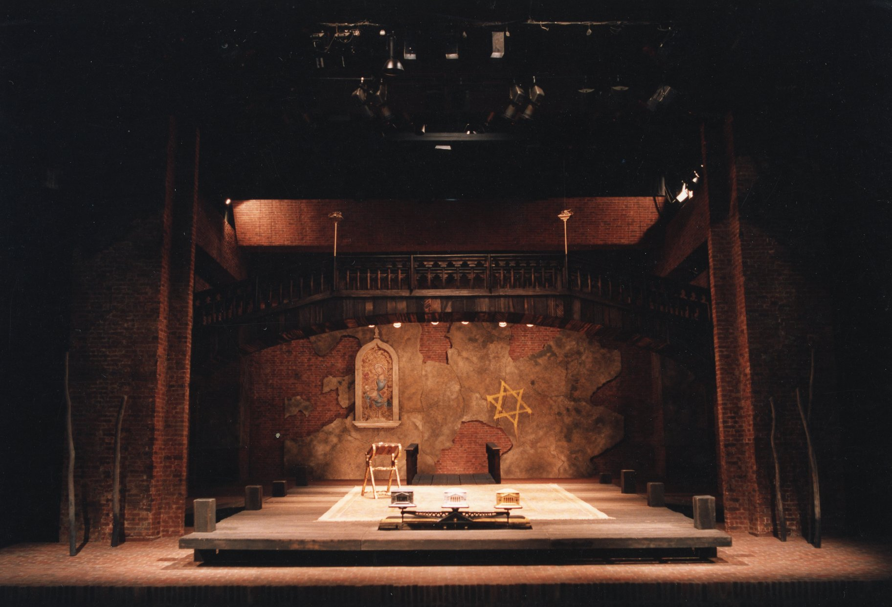 The Merchant of Venice set photo_ 1987_1987_Photo by Joe Cocks Studio Collection _c_ Shakespeare Birthplace Trust_178236