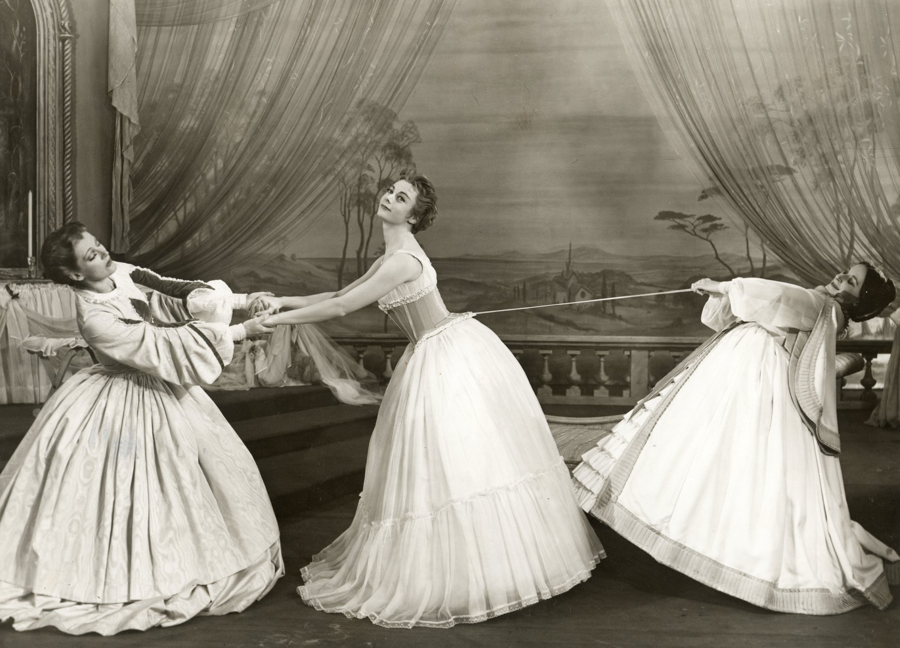 02 Much Ado About Nothing_ 1958_  Ursula and Margaret dress Hero_1958_Photo by Angus McBean _c_ RSC_30345